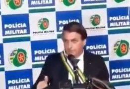 'BOSTA COVARDE': músico paraibano publica vídeo de Bolsonaro se esquivando de pergunta sobre parentes usando aeronave da FAB – VEJA VÍDEO