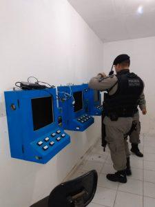cassino clandestino 1 225x300 - Polícia Militar desmancha casa de jogos de azar na capital