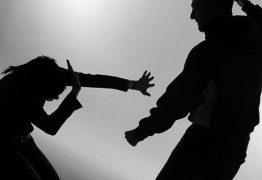 Mulher é agredida por namorado após ele ter crise de ciúmes, em JP
