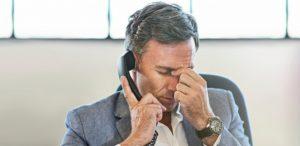 homem falando ao telefone com medo 1463670576319 615x300 300x146 - 50 MILHÕES DE REAIS: telemarketing indesejado pode gerar multas milionárias em favor de consumidores