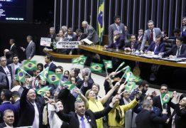 Por 379 a 131 Câmara aprova reforma da Previdência no primeiro turno