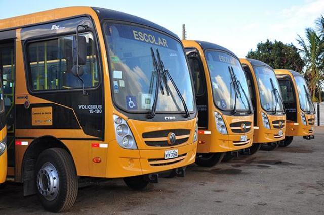 onibus11 - Prefeito anuncia aquisição de quatro ônibus escolares para São José de Piranhas