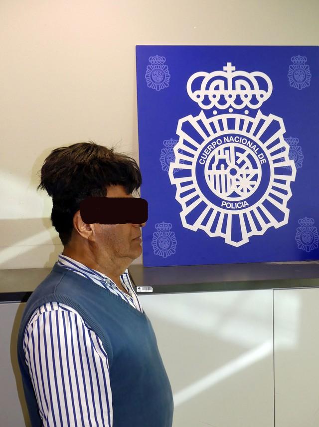 peruca2 - Colombiano é preso com meio quilo de cocaína na peruca