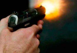 Jovem é baleado em condomínio residencial de João Pessoa