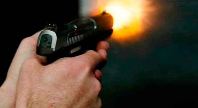 uso arma fogo 1 - Mulher é baleada na boca durante tentativa de assalto em Cabedelo