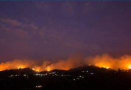 Incêndio nas Ilhas Canárias avança sem controle e obriga à remoção de 9.000 pessoas