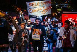 Bolsonaristas agridem artistas que participaram de protesto no Festival de Gramado