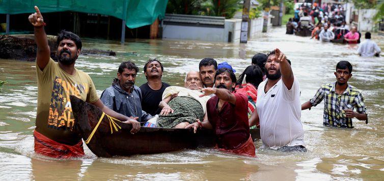 636701241311451157 - Total de mortos por chuvas na Índia sobe para 147
