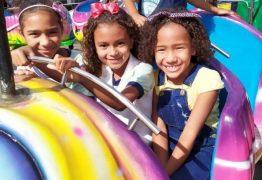 Prefeitura de Alhandra proporciona dia de lazer para alunos da Rede Municipal em parque de diversão