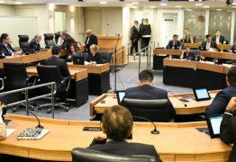 Deputados retomam trabalho em plenário após 41 dias de recesso