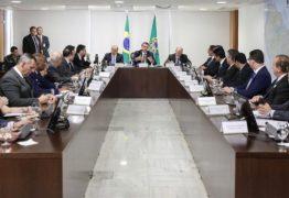 Com governadores, Bolsonaro diz que 'Amazônia foi usada politicamente no passado'