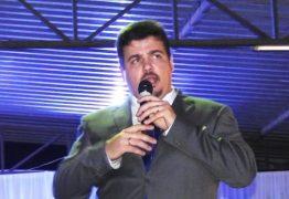 MOMENTOS DE AFLIÇÃO: Prefeito de cidade paraibana e presidente da Câmara ficam reféns de bandidos durante assalto