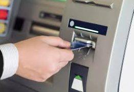 ESTELIONATO E ROUBO: Homem é preso suspeito de aplicar golpe da troca de cartão