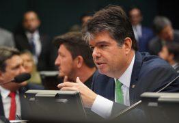 Fim da pensão para ex-governadores avança na Câmara dos Deputados