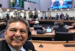 Mesmo afirmando que continua no PSB, 'passe' de Galdino se valoriza e parlamentar acumula convites para se filiar a outras siglas