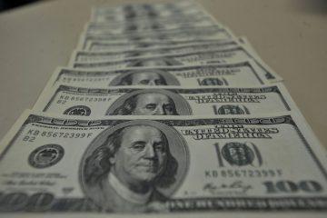 dolar 6 360x240 - R$ 4,32: Dólar abre a semana em alta mesmo com intervenção do BC