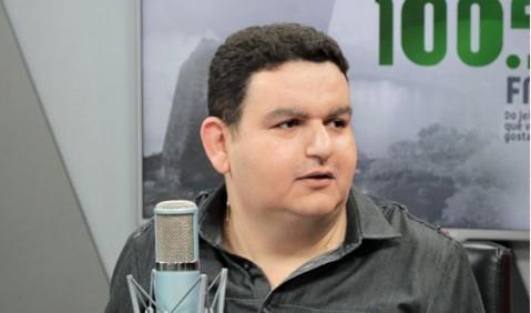 """fabiano gomes - Fabiano Gomes anuncia saída de rádio para novos projetos e afirma não querer mais nada com setor público: """"Não depois do que passei"""""""