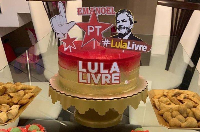 1 5 - Empresário paraibano comemora aniversário com tema '#LulaLivre'