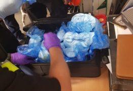 Polícia confunde farinha de bolo com drogas em aeroporto