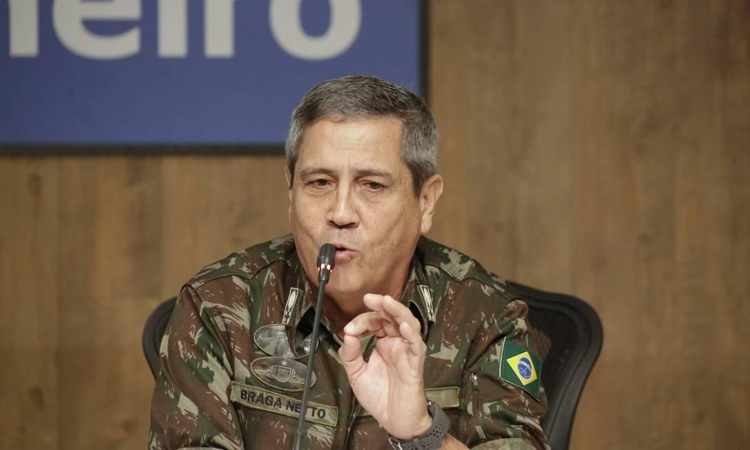 Braga Neto - Ministro Braga Netto visita tropas especializadas em intervenção federal, diz VEJA