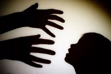 PEDOFILIA 360x240 - Denúncias de pedofilia ampliam declínio da Igreja Católica na França