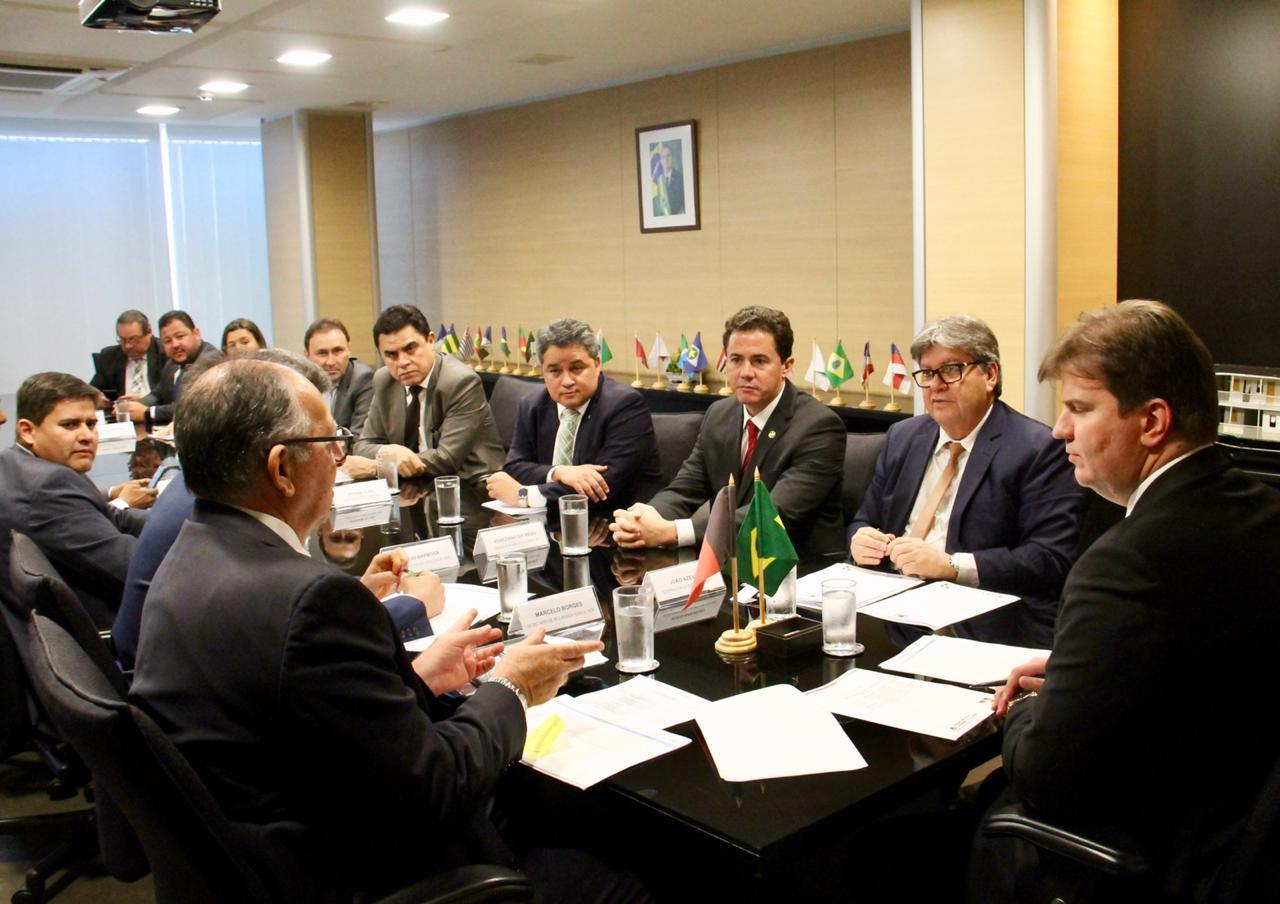 WhatsApp Image 2019 09 18 at 16.53.17 - Em reunião com João Azevêdo e deputados, ministro Canuto garante conclusão de eixo leste e descarta racionamento em CG; VEJA VÍDEO