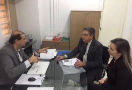 Deputado Lindolfo Pires consegue licenças para obras em Sousa