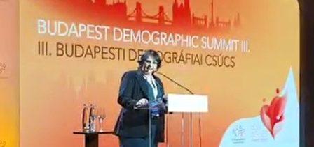 """a ministra damares alves na cupula da demografia em budapeste 1569009956745 v2 450x450 e1569064787231 - Com Damares, """"Cúpula da Demografia"""" ataca ONU, feminismo e homossexuais"""