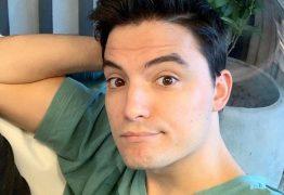 'Cresci achando que ser gay era errado. Livro liberta', afirma Felipe Neto