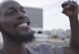 Nigeriano alega uso indevido de sua imagem em vídeo do governo