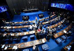 Divisão de recursos de leilões de petróleo com estados e municípios é aprovada pelo Senado