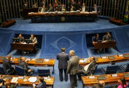 Presidente do Senado confirma votação da reforma da Previdência para esta terça-feira
