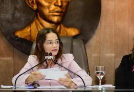 Câmara de Campina Grande realiza sessão para debater demandas do Outubro Rosa