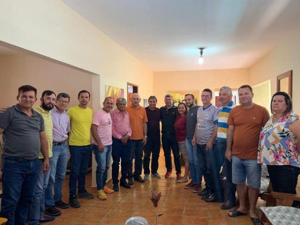 74181390 2363333660586758 3414455642625146880 n 620x465 - Deputado Genival Matias é apoiado por vereadores, vice-prefeito e lideranças de oposição em Nova Palmeira