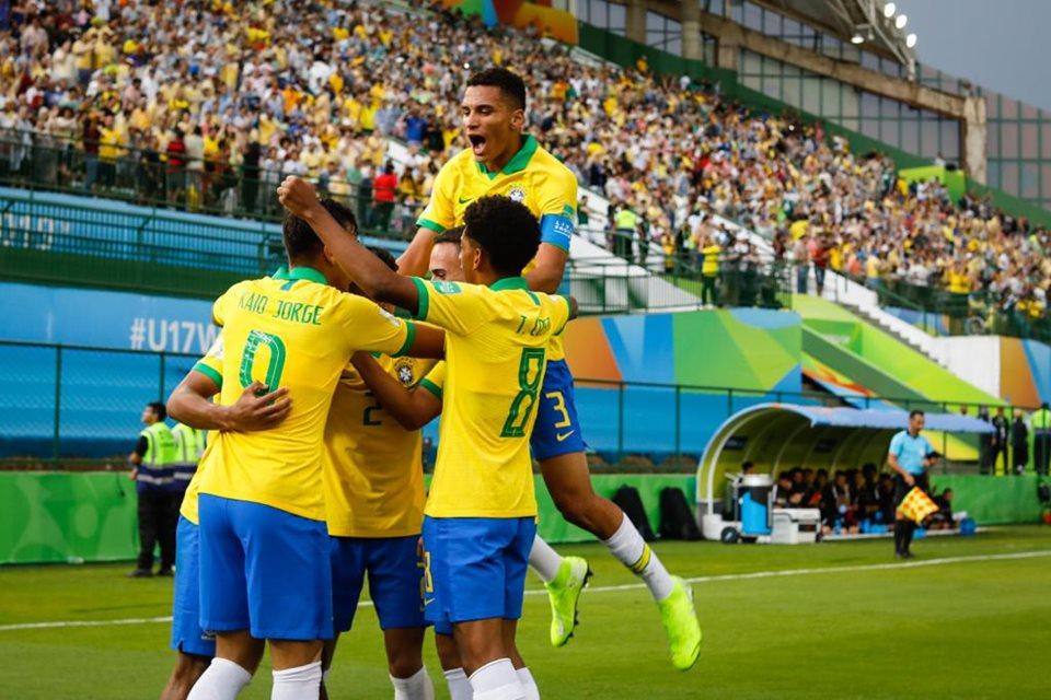 Brasil x Canadá - GOLEADA: Brasil vence o Canadá com placar elástico na abertura da Copa sub-17