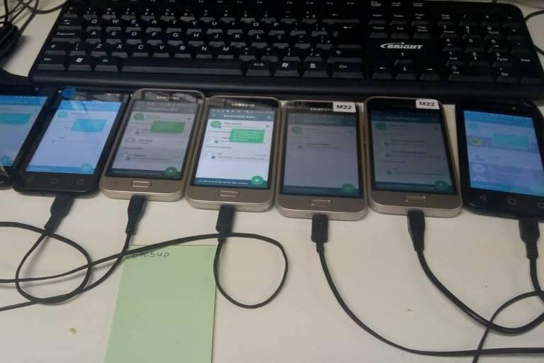 CELULAR - VAI ATINGIR BOLSONARO? WhatsApp admite envio maciço ilegal de mensagens nas eleições de 2018