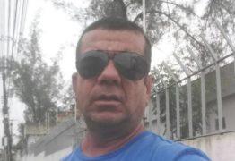 'Quem tiver achando ruim que bote o dedo no c… e rasgue': Assessor de Romero Rodrigues manda recado sobre atraso do Aluízio Campos