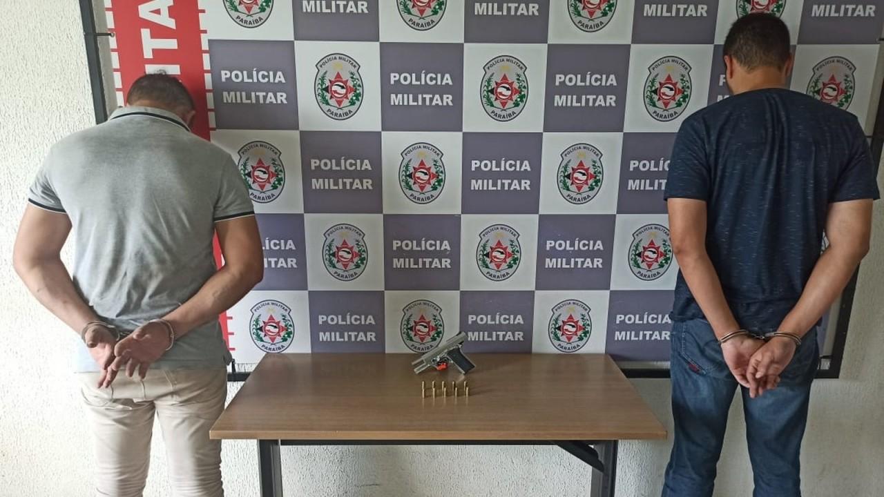dupla presa fraude - Polícia prende dois suspeitos de tentar fraudar provas do concurso da Fundac, em JP