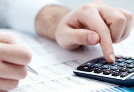 Banco é condenado a indenizar cliente após cobrar empréstimo duas vezes, na Paraíba