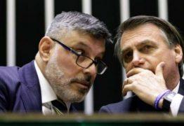 Frota vive 'dia de fúria' contra Bolsonaro no Twitter e convoca força-tarefa para derrubar presidente