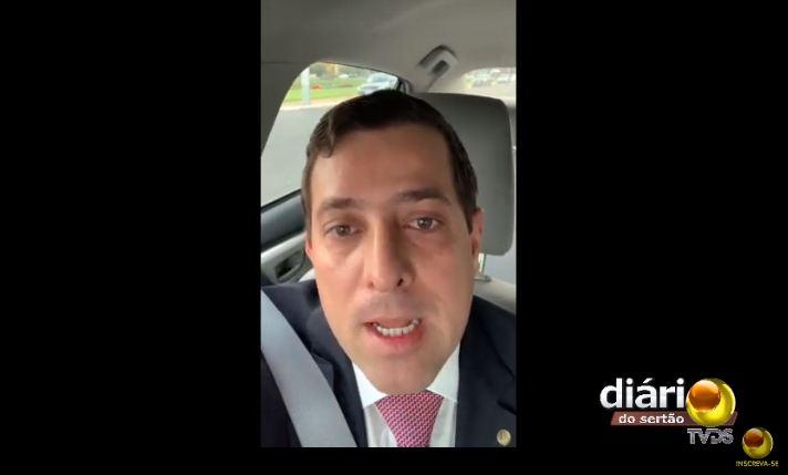 gervásio maia - Gervásio Maia grava vídeo e manda recado para João Azevedo