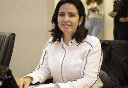 Deputada Pollyana Dutra processa prefeitura de Pombal por dívida de mais de R$ 100 mil de férias