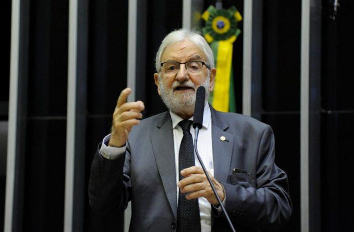 ivan valente e1571859538758 - PSOL entra com representação na PGR contra os Bolsonaro por milícias digitais