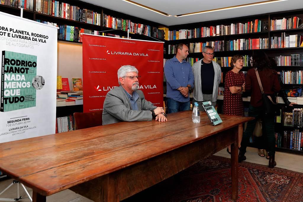 lançamento - Após vazamento de livro polêmico, Janot reaparece em silêncio e lança livro em evento esvaziado