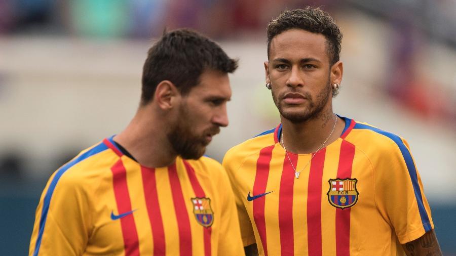 neymar e messi durante partida de pre temporada do barcelona em 2017 1551382688499 v2 900x506 - Messi admite que há poucas chances de Neymar trocar o PSG pelo Barcelona