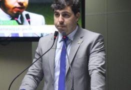 Fora das grades, vereador apontado como mentor do esquema do desvio da merenda vai voltar ao mandato na CMCG