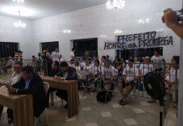 EDITAL INCONSTITUCIONAL: Artesãos da Praia do Jacaré reivindicam direito de usar boxes prometidos pela prefeitura – VEJA VÍDEOS