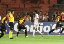 Sport vence a Ponte Preta de virada e volta à elite do futebol