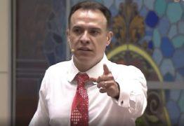 Bispo da Universal acusado de traição se recusa a cumprir 'punição' proposta por igreja e é afastado do cargo – VEJA VÍDEO