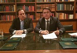 Em live, Bolsonaro volta a citar Cássio e elogia Romero Rodrigues; VEJA VÍDEO